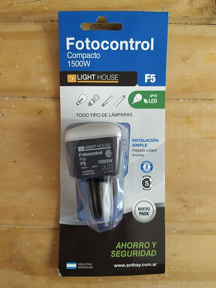 E16 FOTOCONTROL COMPACTO 1500W LIGHT HOUSE